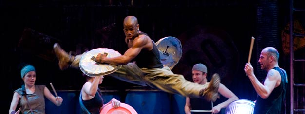 stomp_ambassadors_theatre_london